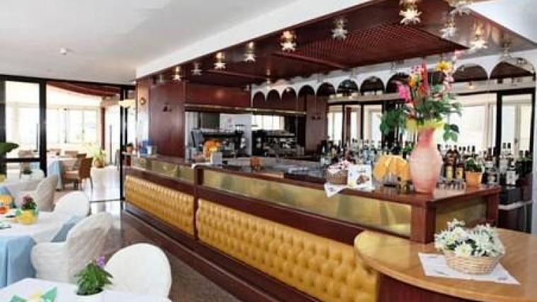 Risultati immagini per hotel san carlo lignano